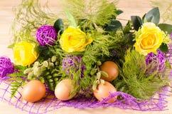 Ostern-Blumenstrauß Stockbilder