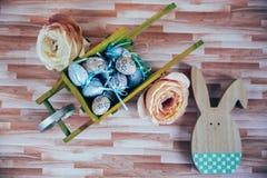 Ostern-Dekoration mit Pastellfarben Stockfoto