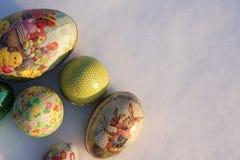 Ostern-Eier im Schnee Lizenzfreies Stockfoto