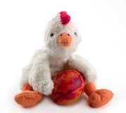 Ostern-Huhn mit handgemaltem Ei Lizenzfreie Stockfotos