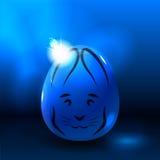 Ostern-Kaninchen auf glänzendem Ei Lizenzfreie Abbildung