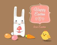 Ostern-Kaninchen und -küken mit Ostereiern Lizenzfreies Stockfoto