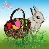 Ostern-Korb mit Kaninchen Stockfotografie