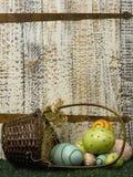 Ostern-Korb und Eier Stockbilder