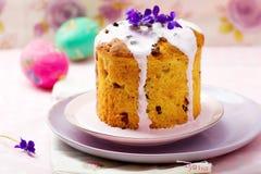 Ostern-Kuchen kulich stockbild