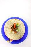 Ostern-Kuchen mit einer Kerze für Ostern Stockfotos