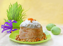 Ostern-Kuchen und Eier Lizenzfreie Stockbilder