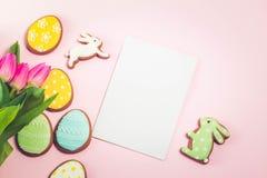 Ostern-Szene mit farbigen Eiern Lizenzfreie Stockfotos