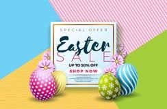 Ostern-Verkaufs-Illustration mit Farbe gemaltem Ei und Typografie-Element auf abstraktem Hintergrund Vektorfeiertagsdesign Stockfotos