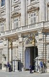 Ostfassade von Royal Palace von Madrid, Spanien Stockbilder