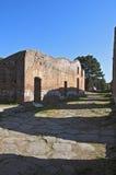 Ostia Antica utgrävningar, med en sikt av fördärvar Royaltyfri Bild