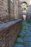 Ostia Antica utgrävningar, med en sikt av fördärvar Arkivfoto