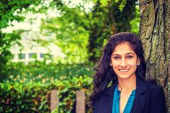 Ostindischer amerikanischer Student, der in New York studiert lizenzfreie stockfotografie