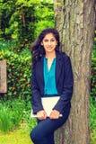 Ostindischer amerikanischer Student, der in New York studiert lizenzfreies stockfoto