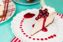 Ostkaka med tranbär Royaltyfri Bild