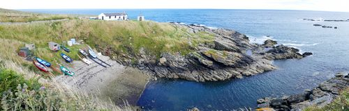 Ostkust av den Skottland - Portlethen fartygfjärden nära Aberdeen - panoramabild Arkivbilder