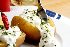 ostmassautgångspunkten gjorde den organiska potatisen royaltyfri bild