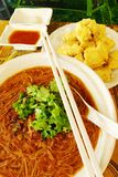 Os pratos da rua, o vermicelli taiwaneses da ostra & fritaram o tofu smelly Foto de Stock