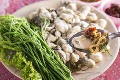Ostriche fresche di stile tailandese di cucina, immagine stock