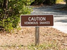 Ostrożność Venomous węży znak ostrzegawczy zdjęcia stock