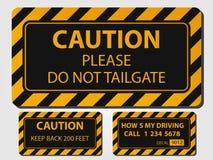 Ostrożności ciężarówki znaki na popielatym tle ilustracji