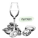 Ostron och vinexponeringsglas Royaltyfri Bild
