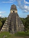 Ostrosłup Jaguar w obywatelu najwięcej znacząco Majskiego miasta Tikal park, Gwatemala obrazy royalty free