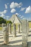 Ostrosłup Kukulkan, Majska ruina, jak widzieć od Tysiąc kolumn, Chichen Itza, (także znać jako El Castillo) (przedpole) obrazy royalty free