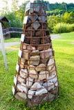 Ostrosłup z lokalnymi skałami Gerolsteiner Dolomiten Zdjęcia Stock
