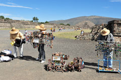 Ostrosłupy Teotihuacan, Meksyk - Fotografia Stock