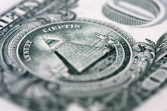 Ostrosłup na jeden dolarowym rachunku Fotografia Stock
