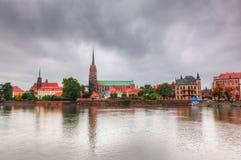弗罗茨瓦夫,波兰。Ostrow Tumski和奥得河 免版税库存照片