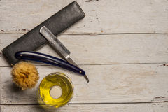 Ostry prostej żyletki, muśnięcia i cologne aftershave, Obraz Stock