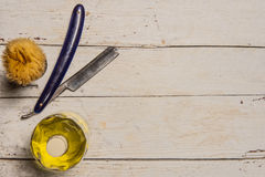 Ostry prostej żyletki, muśnięcia i cologne aftershave, Obrazy Royalty Free