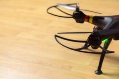 Ostrza, ochraniacze, noga, rozblaskowych świateł quadrocopters Obrazy Royalty Free