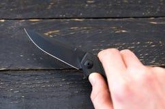 Ostrze nóż Ostry nóż Nóż w ręce zdjęcie stock