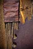 ostrze rdzewiał saw ściana wietrzejącego drewno Zdjęcie Stock
