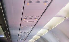 Ostrzegać lotniczy conditioner, dymienie zakaz lub non dymić znak na samolocie, lekki symbol na samolocie, pas bezpieczeństwa, Se Zdjęcie Stock