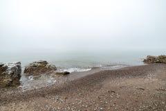 Ostsee und nebeliger Morgen Stockfotografie
