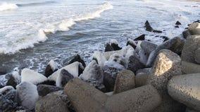 Ostseeseitenstrandpier lizenzfreie stockbilder