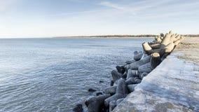 Ostseeseitenstrandpier stockfotos