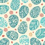 Ostskizzeneier Auch im corel abgehobenen Betrag Vector nahtloses Muster mit bunten Eiern auf BROWN-Hintergrund Lizenzfreie Stockfotos