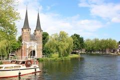 Osttor und Rhein-Schelde-Kanal, Delft Stockbilder