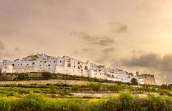 Ostuni, με την πόλη Πόλης τοίχος: πανοραμική άποψη του Valle d'Itria Στοκ φωτογραφίες με δικαίωμα ελεύθερης χρήσης