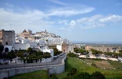 Ostuni de witte stad in Puglia, Italië Stock Afbeelding