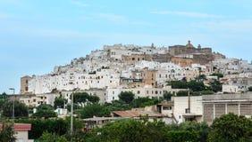 Ostunistad in Puglia, Italië royalty-vrije stock afbeeldingen