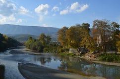 Osum-Fluss Berat, Albanien stockfotos