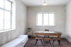 Oswiecim/Польша - 02 15 2018: Комната лазарета в музее концентрационного лагеря Освенцима Стоковая Фотография RF