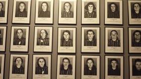 OSWIENCIM, портреты ПОЛЬШИ - 14-ое января 2017 жертв Освенцима Birkenau Немецкая нацистская концентрация и видеоматериал