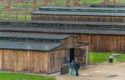 Oswiencim Polska, Wrzesień, - 21, 2019: Birkenau koncentracyjny obóz Śmierć koszaruje Żydowska eksterminacja obozu historia fotografia stock